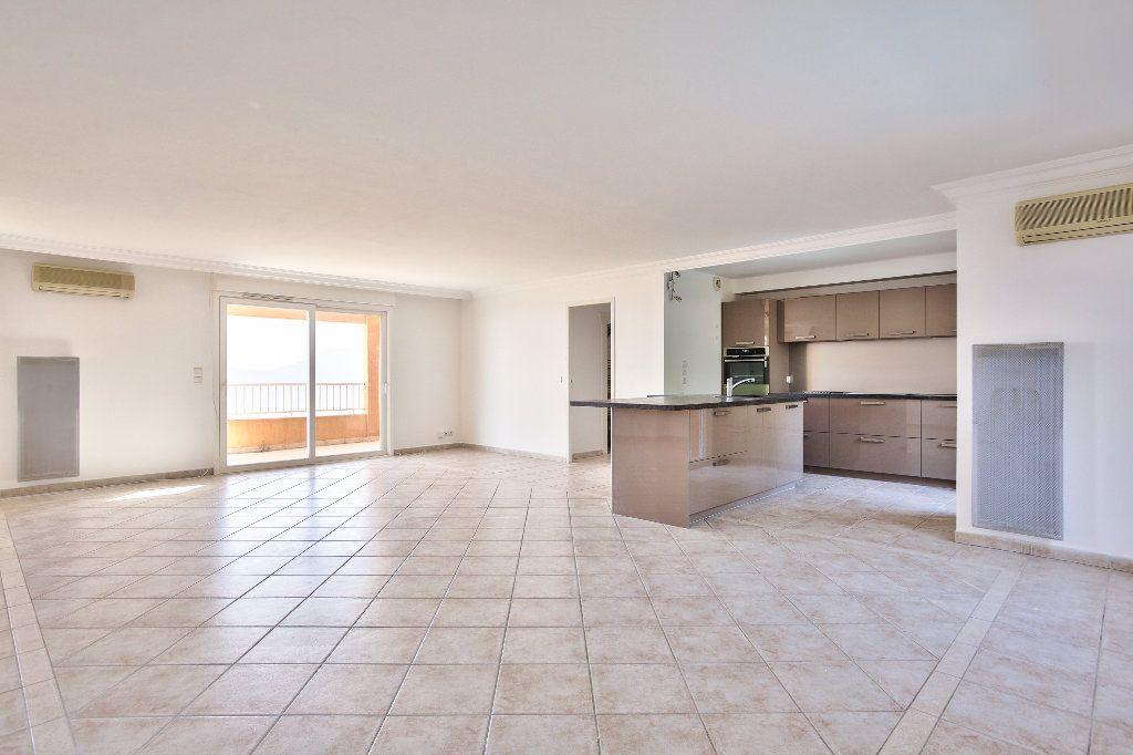 Appartement à vendre 4 106.14m2 à Mandelieu-la-Napoule vignette-4