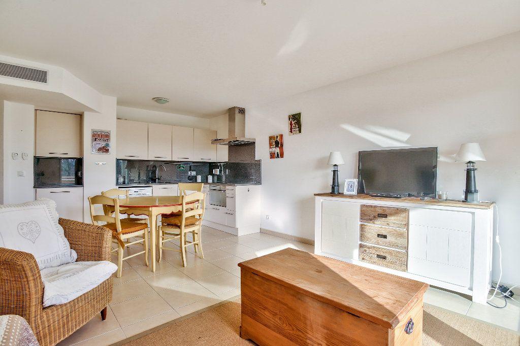 Appartement à vendre 3 56.44m2 à Mandelieu-la-Napoule vignette-9