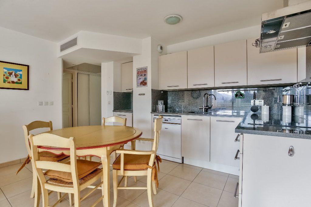 Appartement à vendre 3 56.44m2 à Mandelieu-la-Napoule vignette-10