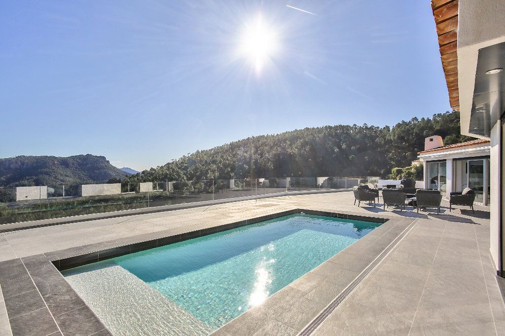 Maison à vendre 6 170m2 à Les Adrets-de-l'Estérel vignette-4