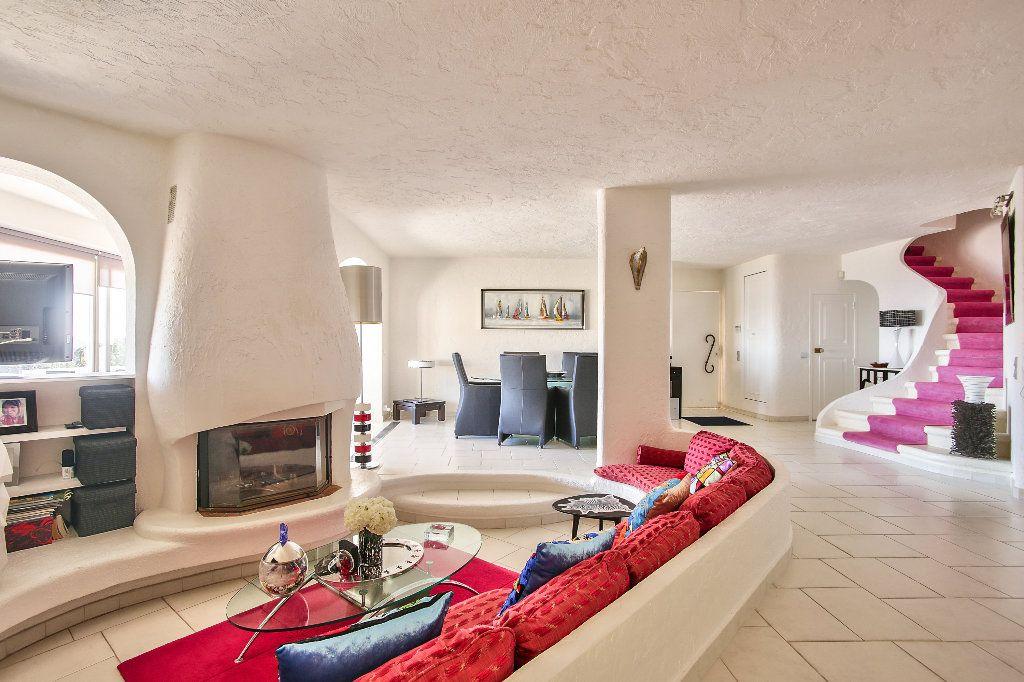Maison à vendre 6 170m2 à Les Adrets-de-l'Estérel vignette-5
