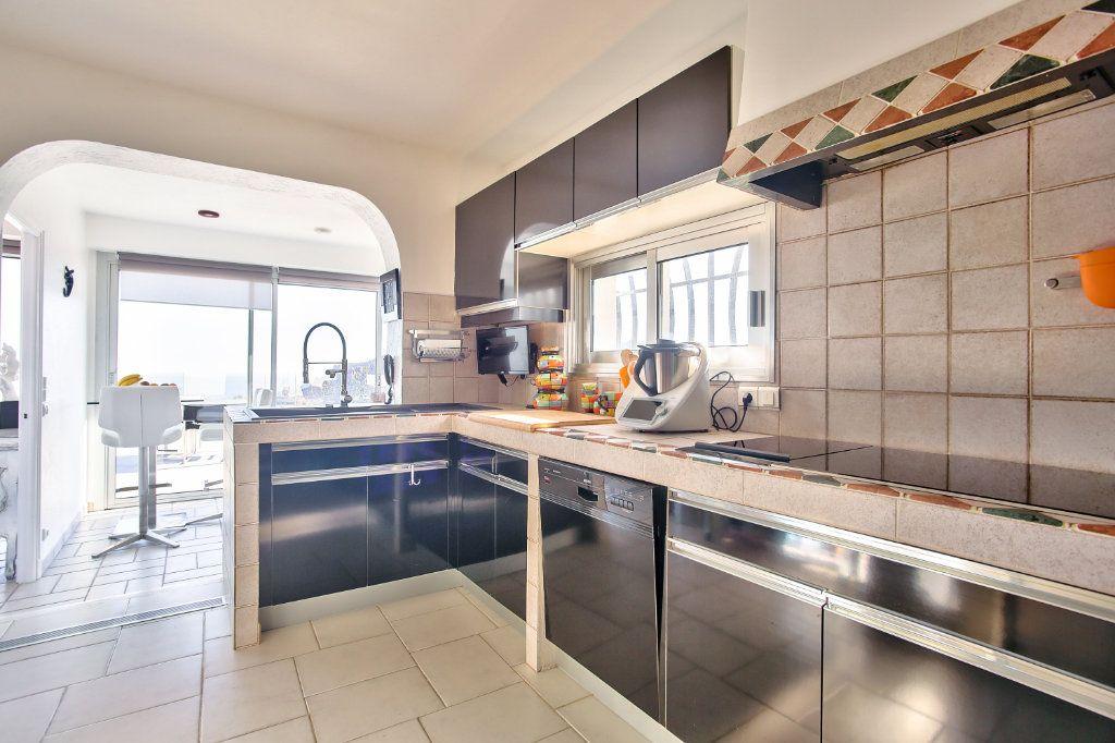 Maison à vendre 6 170m2 à Les Adrets-de-l'Estérel vignette-9