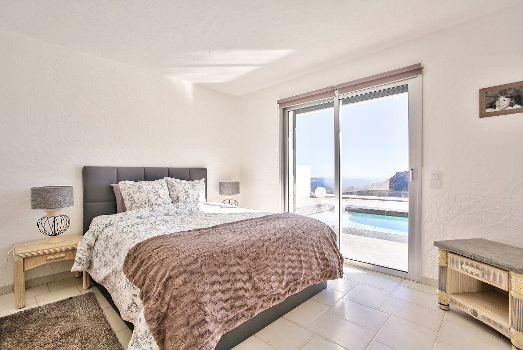 Maison à vendre 6 170m2 à Les Adrets-de-l'Estérel vignette-10