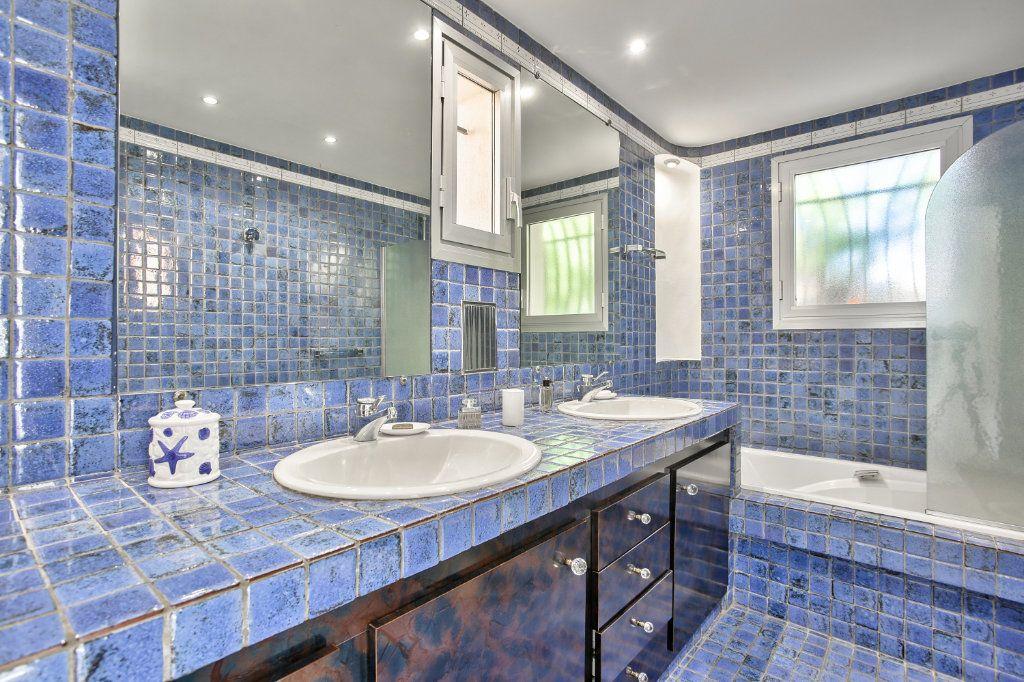 Maison à vendre 6 170m2 à Les Adrets-de-l'Estérel vignette-12