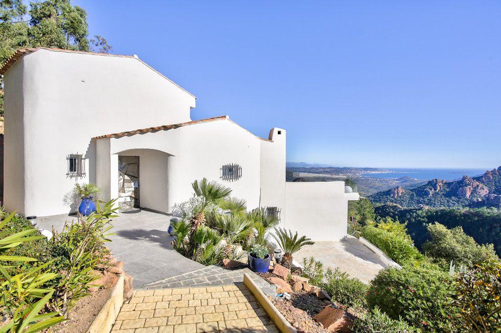 Maison à vendre 6 170m2 à Les Adrets-de-l'Estérel vignette-17