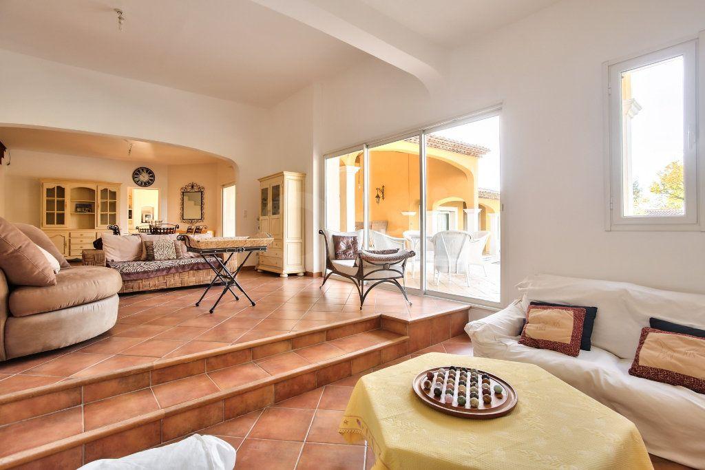 Maison à vendre 8 300m2 à Tourrettes vignette-3