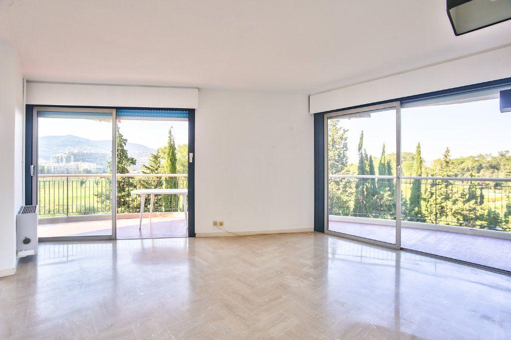 Appartement à vendre 3 60.11m2 à Mandelieu-la-Napoule vignette-1