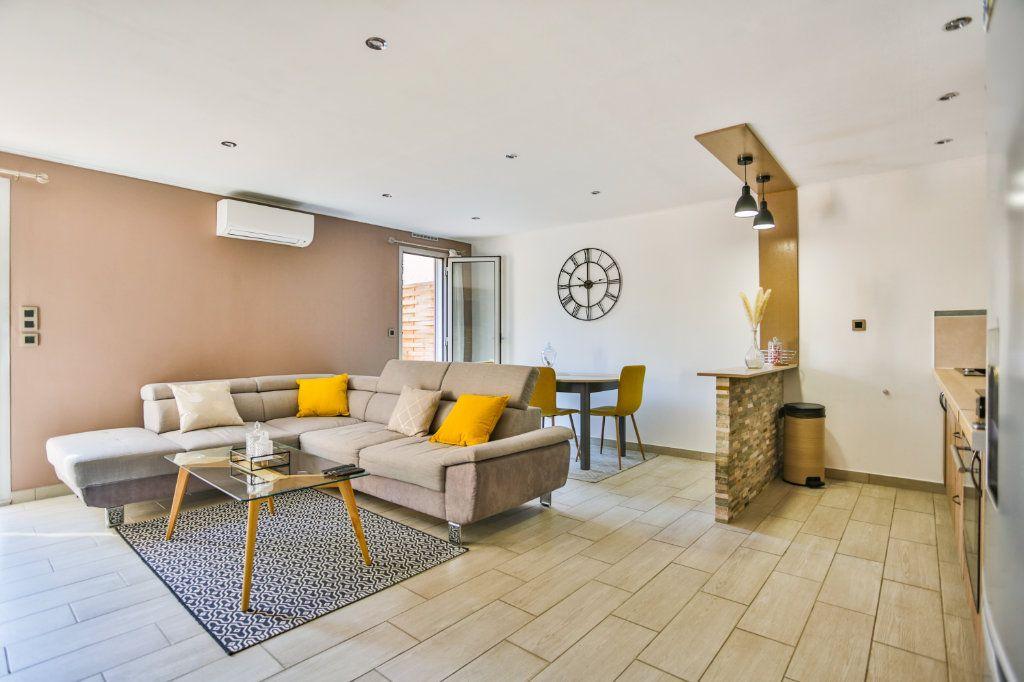 Appartement à vendre 3 65.11m2 à Mandelieu-la-Napoule vignette-3
