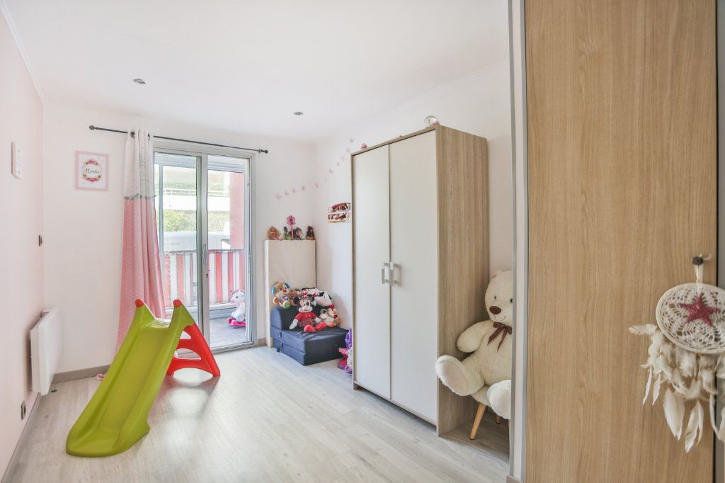 Appartement à vendre 3 65.11m2 à Mandelieu-la-Napoule vignette-5