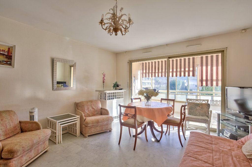 Appartement à vendre 2 47.46m2 à Mandelieu-la-Napoule vignette-2