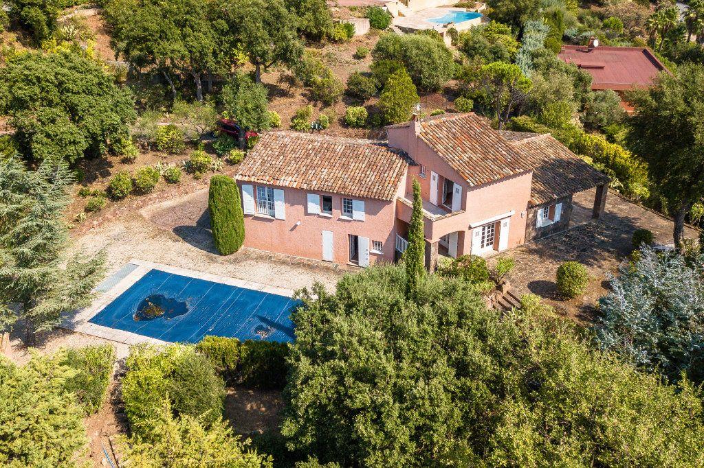 Maison à vendre 6 165.25m2 à Les Adrets-de-l'Estérel vignette-2