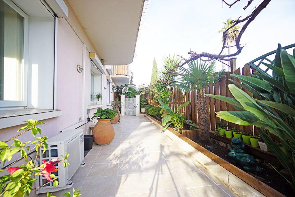 Appartement à vendre 3 72.5m2 à Mandelieu-la-Napoule vignette-5