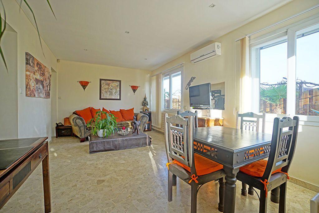 Appartement à vendre 3 72.5m2 à Mandelieu-la-Napoule vignette-6