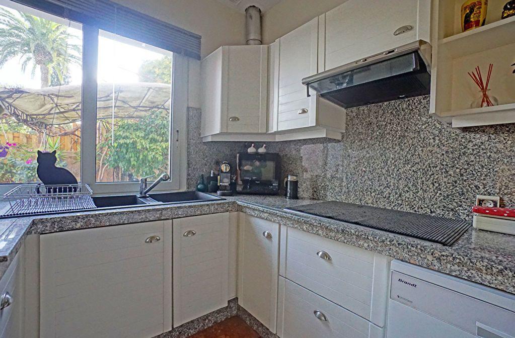 Appartement à vendre 3 72.5m2 à Mandelieu-la-Napoule vignette-8