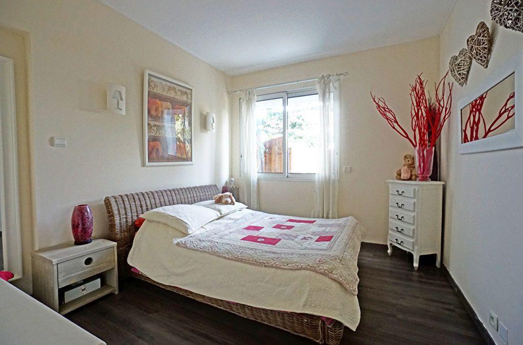 Appartement à vendre 3 72.5m2 à Mandelieu-la-Napoule vignette-9