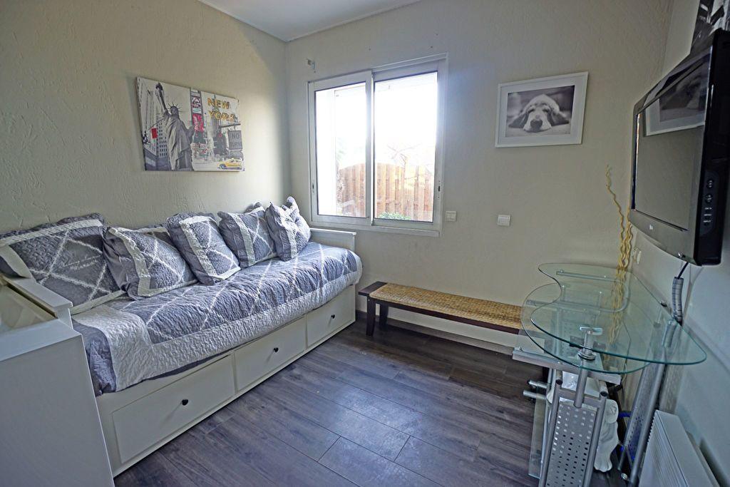 Appartement à vendre 3 72.5m2 à Mandelieu-la-Napoule vignette-10