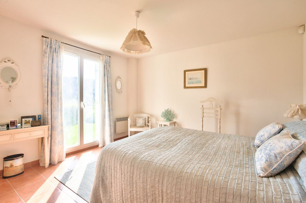Maison à vendre 7 143.26m2 à Auribeau-sur-Siagne vignette-9