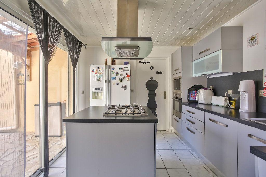 Maison à vendre 5 110.61m2 à Auribeau-sur-Siagne vignette-8