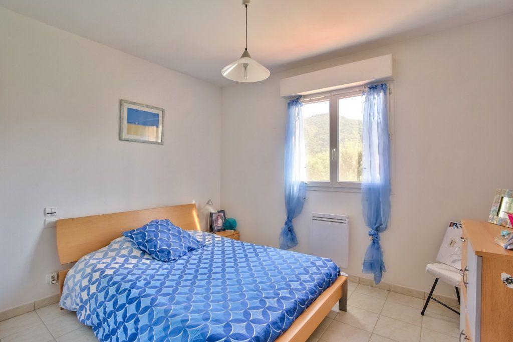 Maison à vendre 5 110.61m2 à Auribeau-sur-Siagne vignette-11