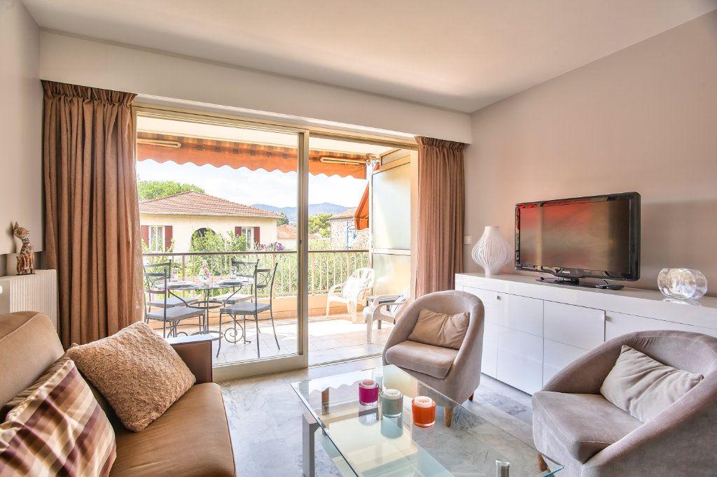 Appartement à vendre 2 34m2 à Mandelieu-la-Napoule vignette-1