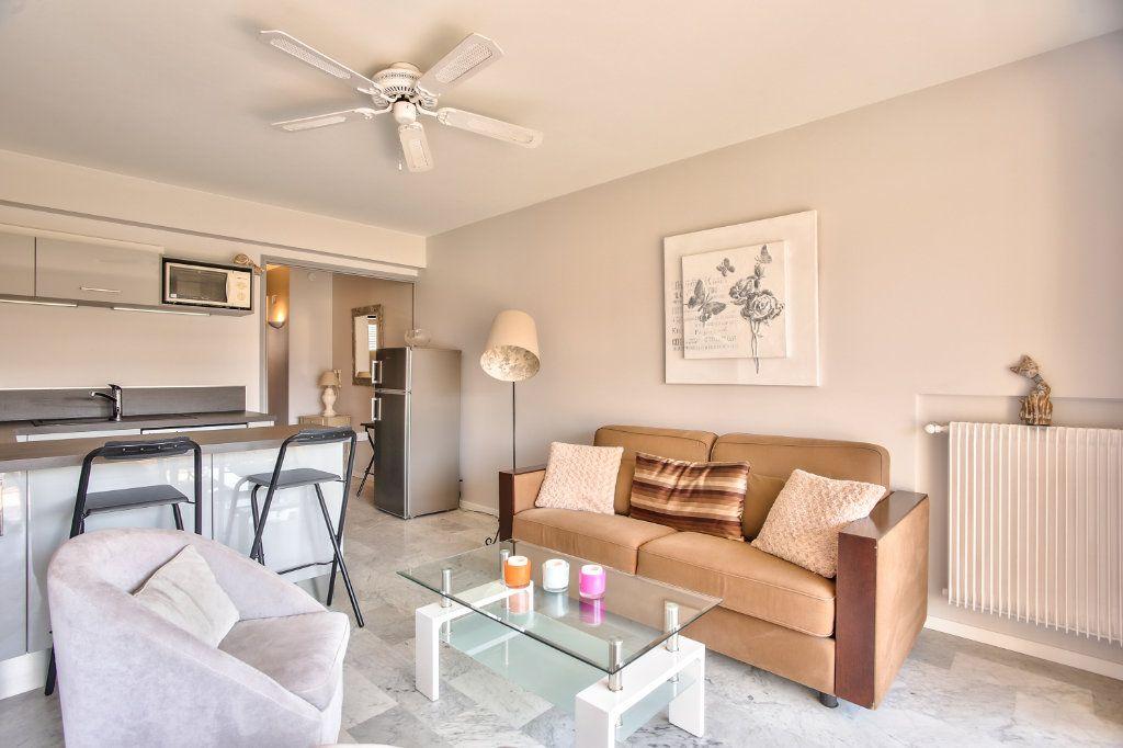 Appartement à vendre 2 34m2 à Mandelieu-la-Napoule vignette-4