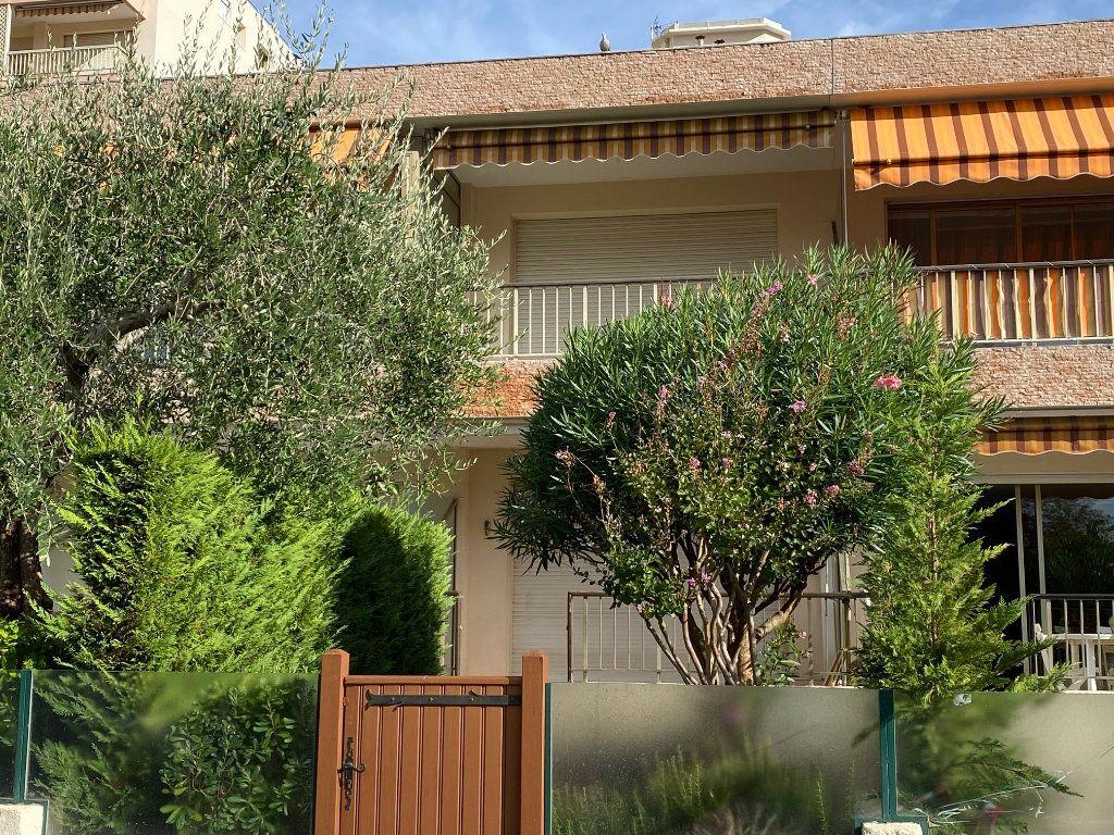 Appartement à vendre 2 34m2 à Mandelieu-la-Napoule vignette-11