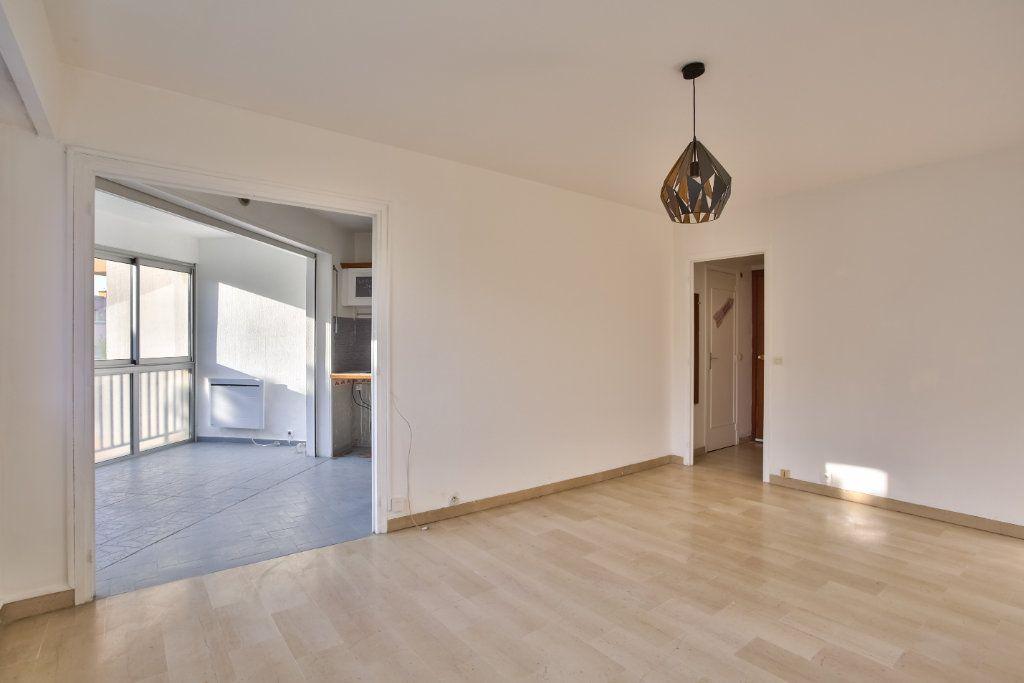 Appartement à louer 1 30.38m2 à Mandelieu-la-Napoule vignette-1