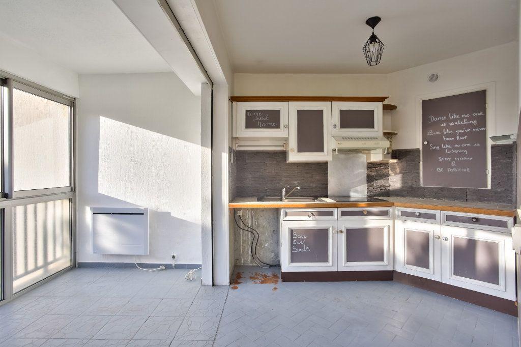 Appartement à louer 1 30.38m2 à Mandelieu-la-Napoule vignette-4