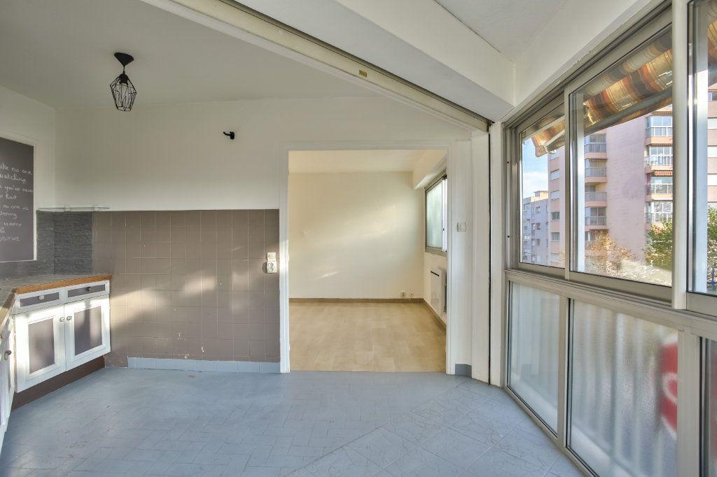 Appartement à louer 1 30.38m2 à Mandelieu-la-Napoule vignette-6