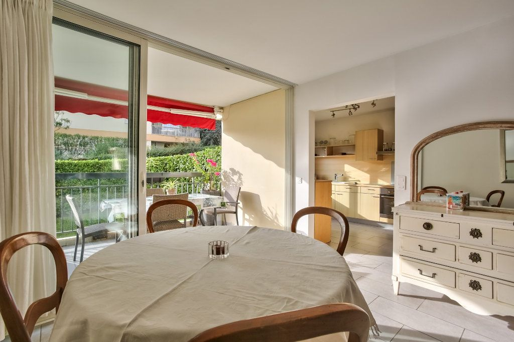 Appartement à vendre 4 90.36m2 à Mandelieu-la-Napoule vignette-3
