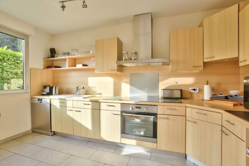 Appartement à vendre 4 90.36m2 à Mandelieu-la-Napoule vignette-4
