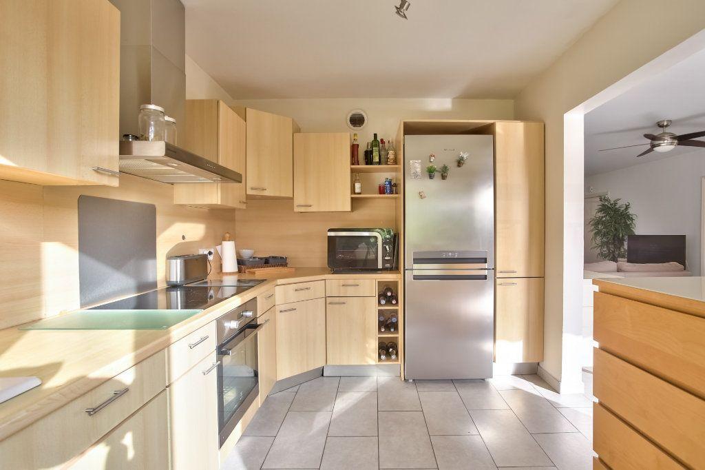 Appartement à vendre 4 90.36m2 à Mandelieu-la-Napoule vignette-5