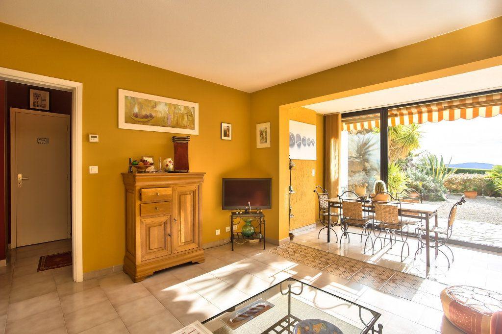 Appartement à vendre 2 36m2 à Mandelieu-la-Napoule vignette-2