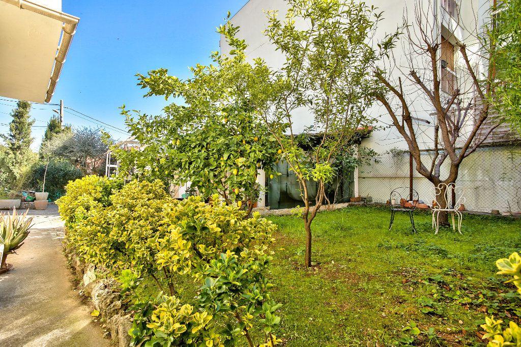 Appartement à vendre 3 69.6m2 à Mandelieu-la-Napoule vignette-1