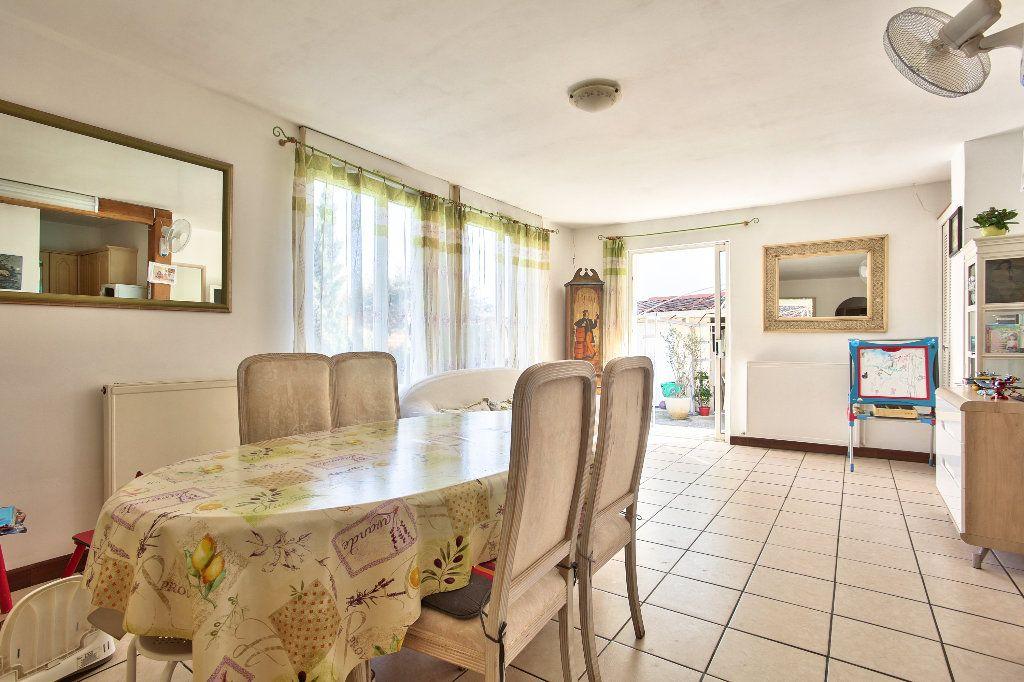 Appartement à vendre 3 69.6m2 à Mandelieu-la-Napoule vignette-2
