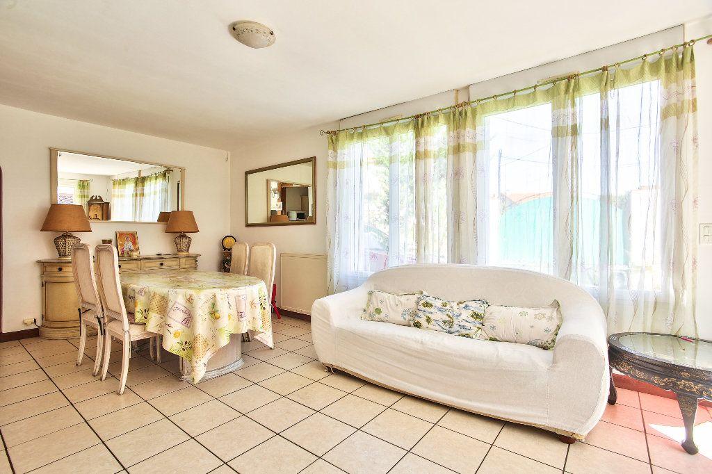 Appartement à vendre 3 69.6m2 à Mandelieu-la-Napoule vignette-4