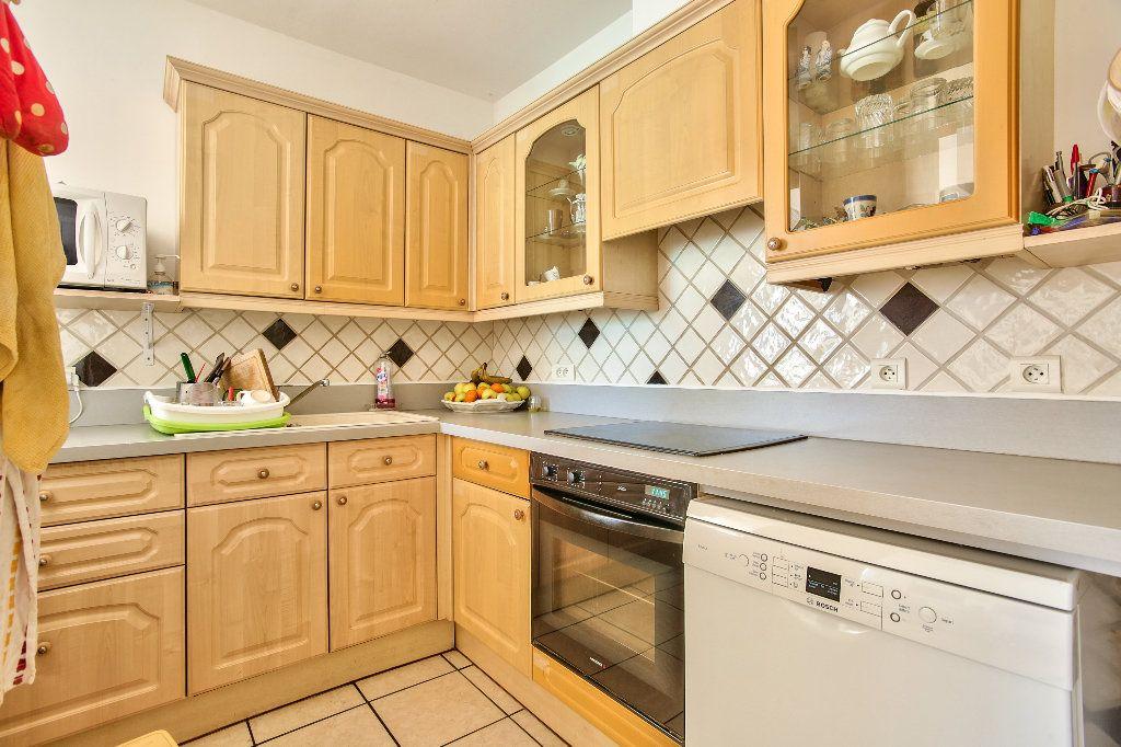 Appartement à vendre 3 69.6m2 à Mandelieu-la-Napoule vignette-5