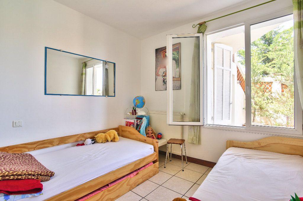 Appartement à vendre 3 69.6m2 à Mandelieu-la-Napoule vignette-7