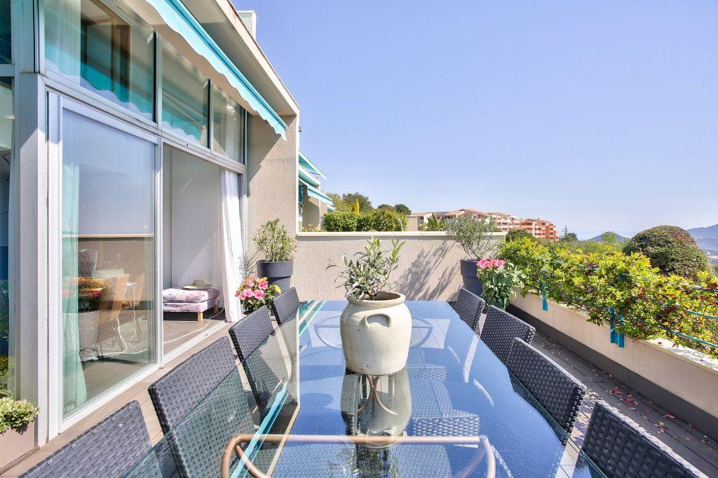 Appartement à vendre 5 108.45m2 à Mandelieu-la-Napoule vignette-3