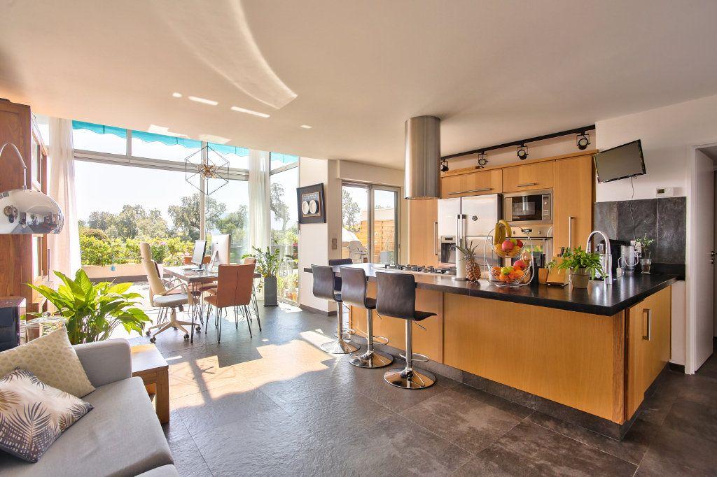 Appartement à vendre 5 108.45m2 à Mandelieu-la-Napoule vignette-4