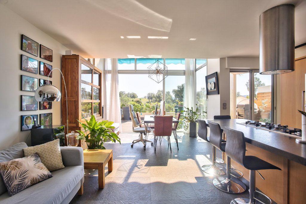 Appartement à vendre 5 108.45m2 à Mandelieu-la-Napoule vignette-5