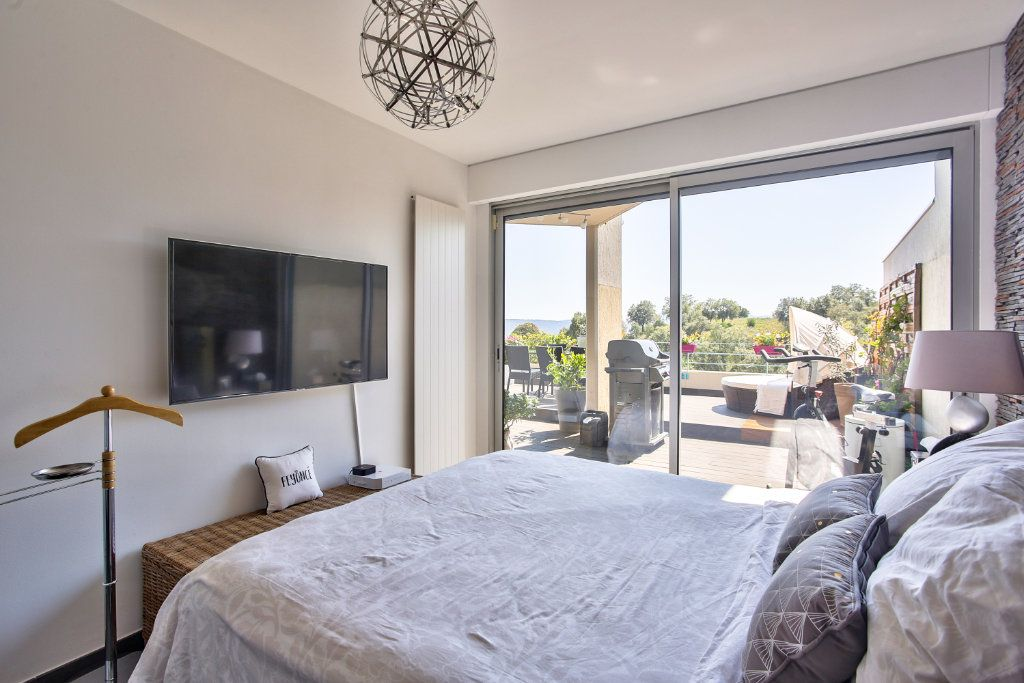 Appartement à vendre 5 108.45m2 à Mandelieu-la-Napoule vignette-11
