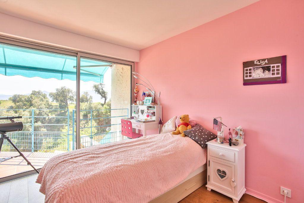 Appartement à vendre 5 108.45m2 à Mandelieu-la-Napoule vignette-14
