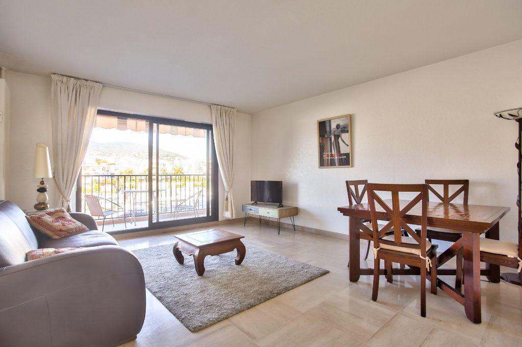 Appartement à vendre 2 57.24m2 à Mandelieu-la-Napoule vignette-2