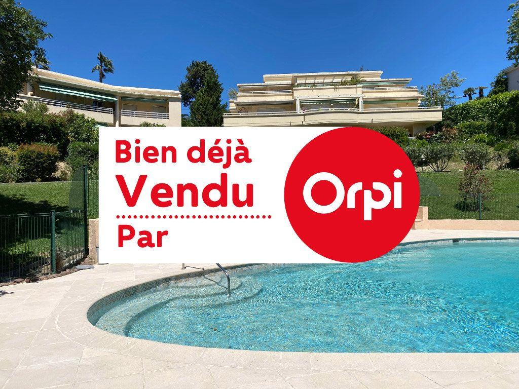 Appartement à vendre 4 100m2 à Mandelieu-la-Napoule vignette-1