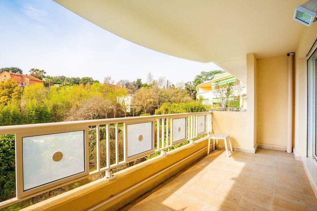 Appartement à vendre 4 100m2 à Mandelieu-la-Napoule vignette-6