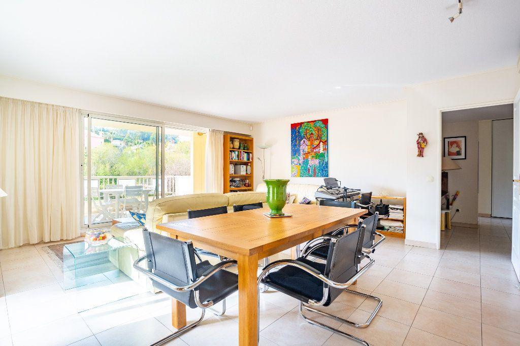 Appartement à vendre 4 100m2 à Mandelieu-la-Napoule vignette-7
