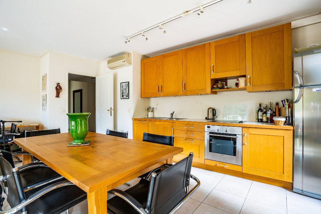 Appartement à vendre 4 100m2 à Mandelieu-la-Napoule vignette-10