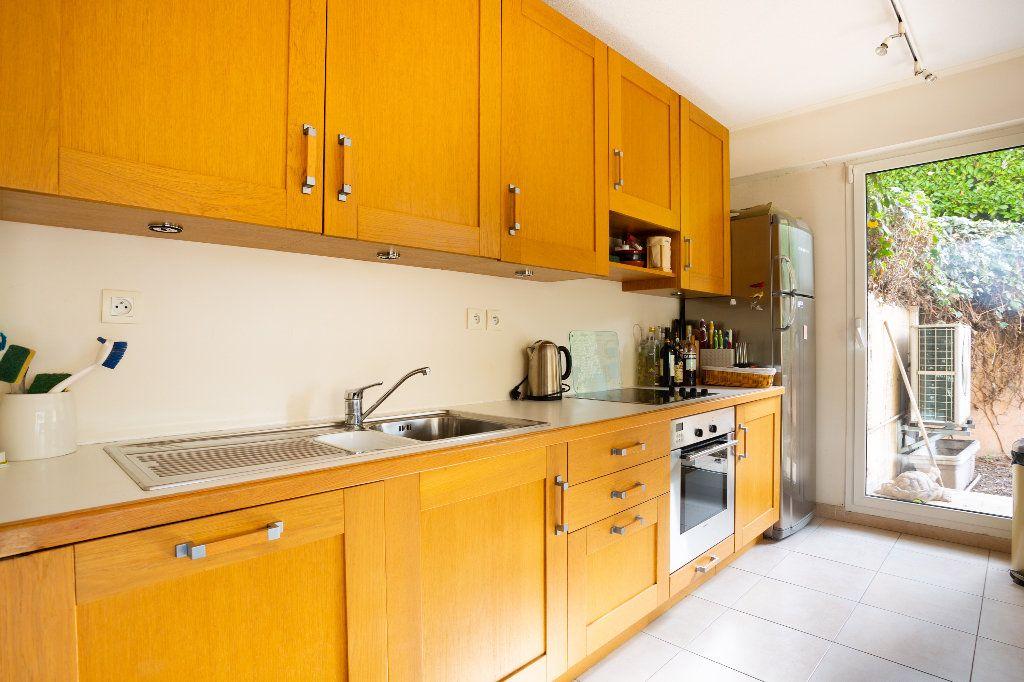 Appartement à vendre 4 100m2 à Mandelieu-la-Napoule vignette-11