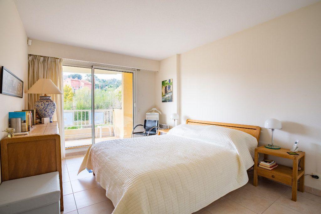 Appartement à vendre 4 100m2 à Mandelieu-la-Napoule vignette-13